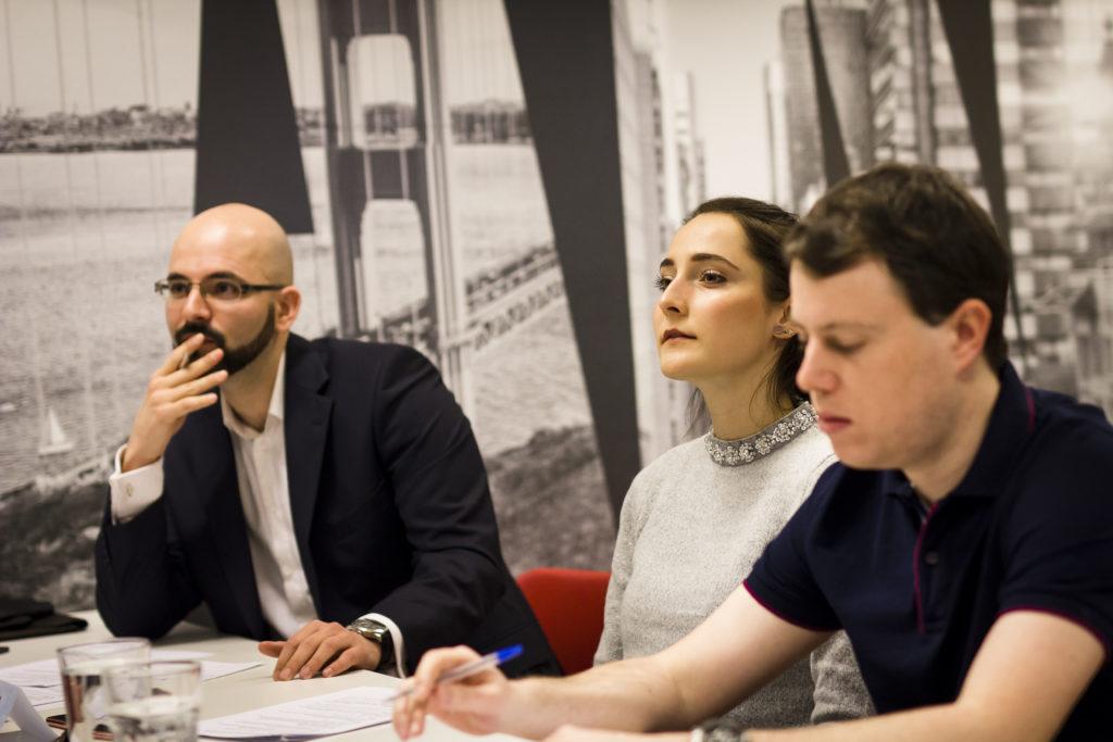 Porotci při regionálním finále v Prague Startup Centre