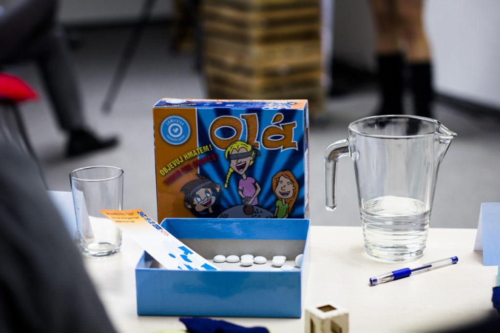 Vítězná desková hra pro nejen zrakově postižené Olá